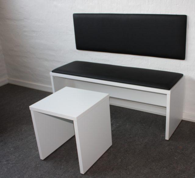 bænk og sofabord