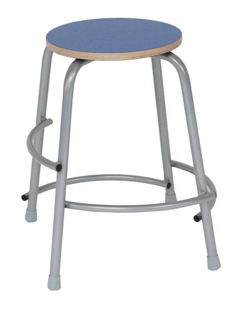 Per taburet med grå laminat sæde
