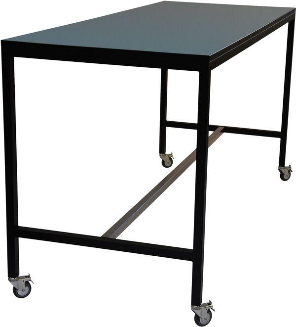 IF Square højbord - her vist med hjul - kan laves i mål efter ønske